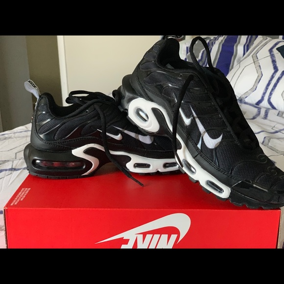 Nike Shoes - Brand new Air Max